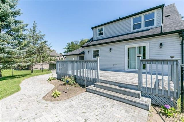 Detached at 126 Sand Rd, East Gwillimbury, Ontario. Image 2