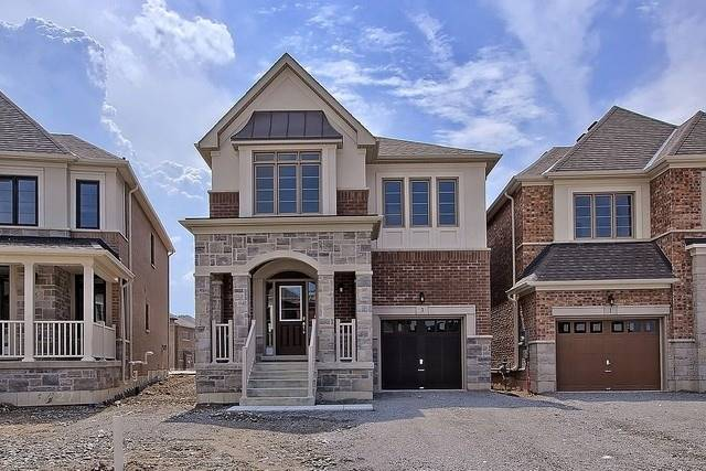 Detached at 3 Festival Crt, East Gwillimbury, Ontario. Image 1