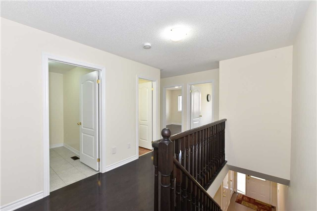 Townhouse at 25 Zachary Pl, Vaughan, Ontario. Image 3