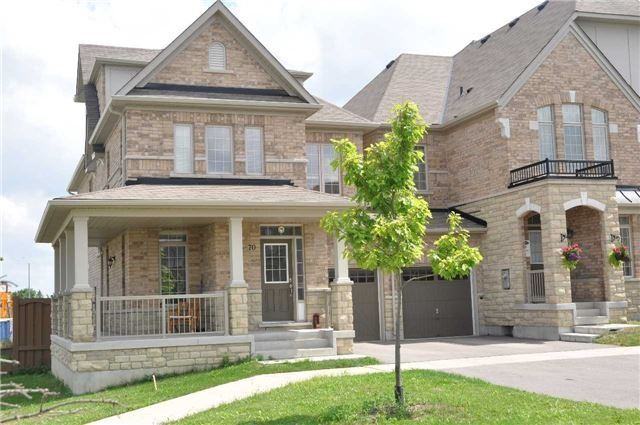 Link at 70 Living Cres, Markham, Ontario. Image 7