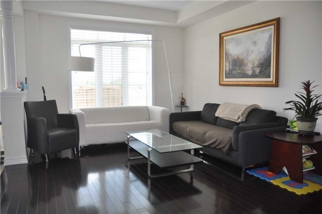 Link at 70 Living Cres, Markham, Ontario. Image 11