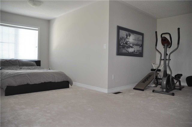 Link at 70 Living Cres, Markham, Ontario. Image 5