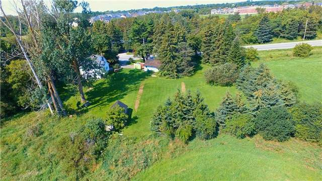 Detached at 12767 Dufferin St, King, Ontario. Image 4