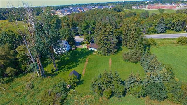 Detached at 12767 Dufferin St, King, Ontario. Image 8