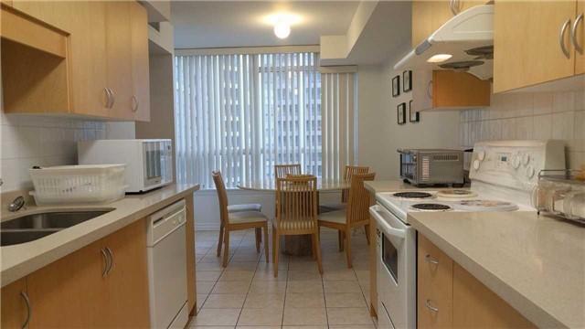 Condo Apartment at 9015 Leslie St, Unit 816, Richmond Hill, Ontario. Image 9