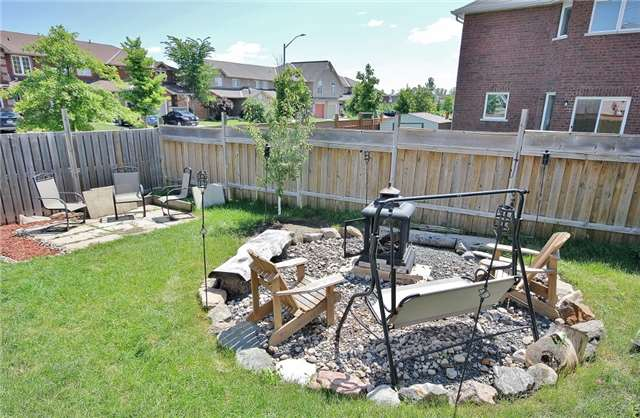 Detached at 1295 Corm St, Innisfil, Ontario. Image 10
