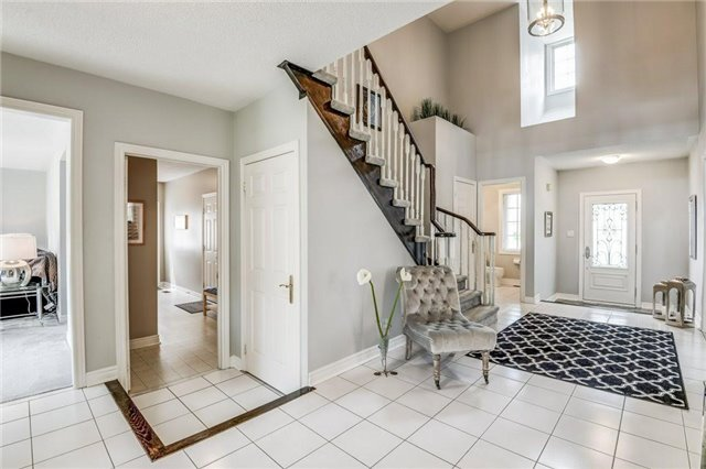 Detached at 990 Stonehaven Ave, Newmarket, Ontario. Image 14