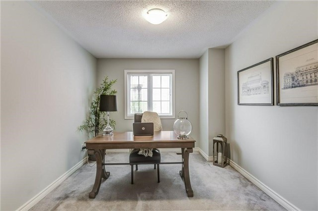 Detached at 990 Stonehaven Ave, Newmarket, Ontario. Image 18