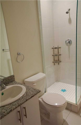Condo Apartment at 2900 Highway 7 Ave, Unit 521, Vaughan, Ontario. Image 19