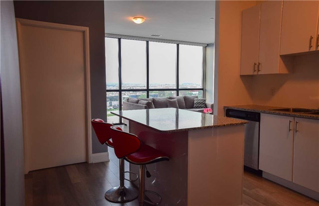 Condo Apartment at 2900 Highway 7 Ave, Unit 521, Vaughan, Ontario. Image 20