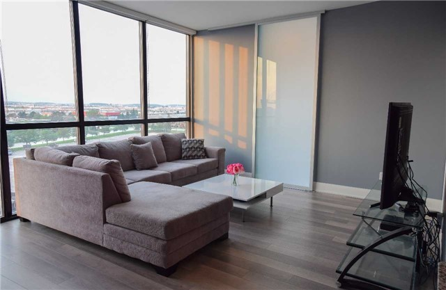 Condo Apartment at 2900 Highway 7 Ave, Unit 521, Vaughan, Ontario. Image 4