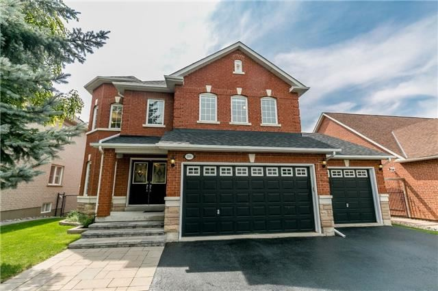 Detached at 886 Best Circ, Newmarket, Ontario. Image 12
