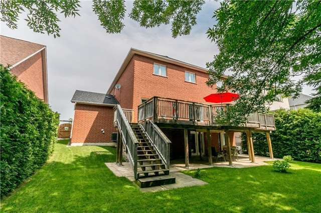 Detached at 886 Best Circ, Newmarket, Ontario. Image 9