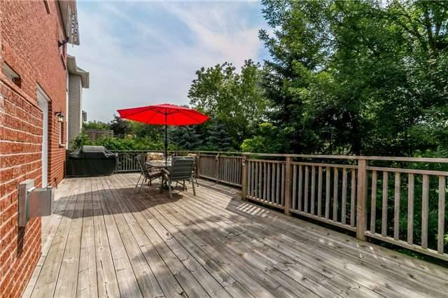 Detached at 886 Best Circ, Newmarket, Ontario. Image 10