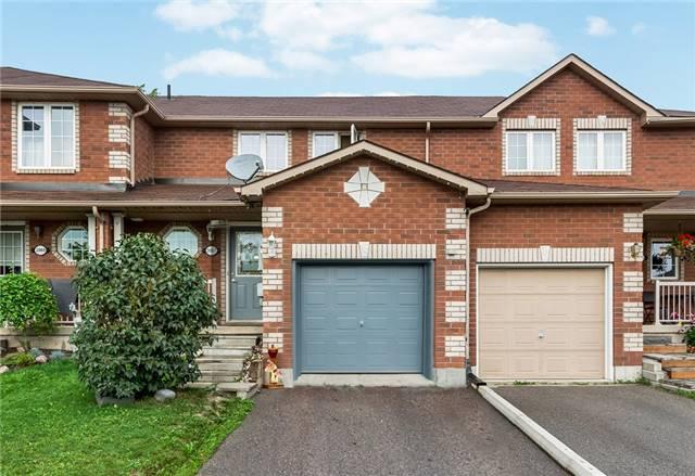 Townhouse at 2067 Osbond Rd, Innisfil, Ontario. Image 1