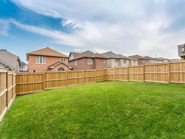 Detached at 190 Richardson Cres, Bradford West Gwillimbury, Ontario. Image 11