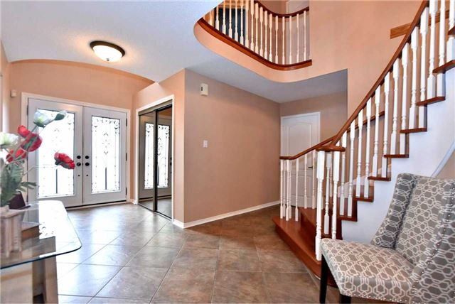 Detached at 476 Doyle Crt, Newmarket, Ontario. Image 12