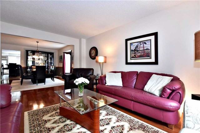 Detached at 476 Doyle Crt, Newmarket, Ontario. Image 14
