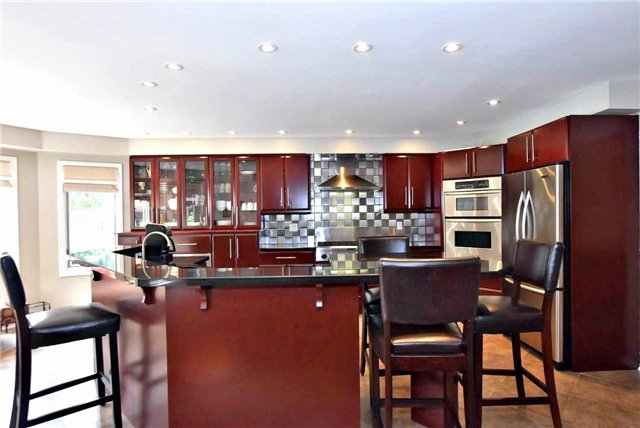 Detached at 476 Doyle Crt, Newmarket, Ontario. Image 16