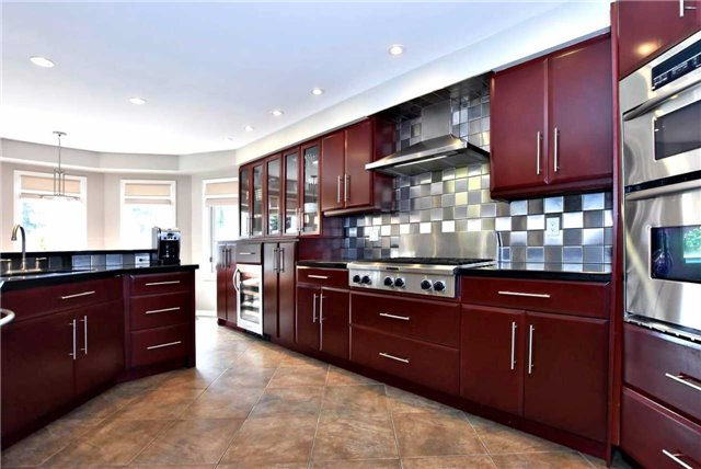 Detached at 476 Doyle Crt, Newmarket, Ontario. Image 17