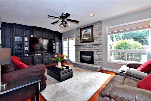 Detached at 476 Doyle Crt, Newmarket, Ontario. Image 18