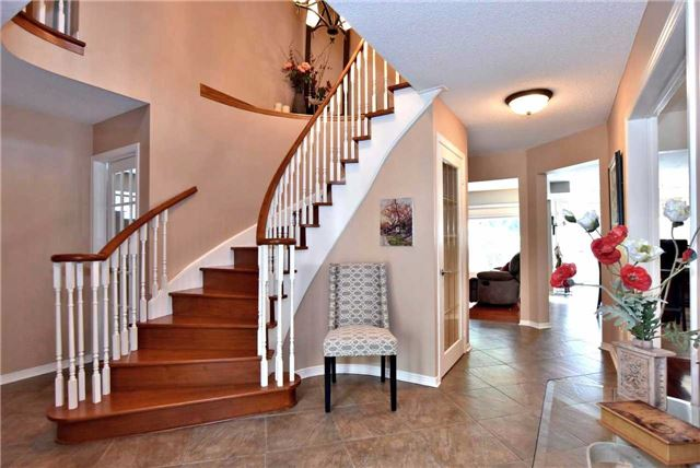 Detached at 476 Doyle Crt, Newmarket, Ontario. Image 20