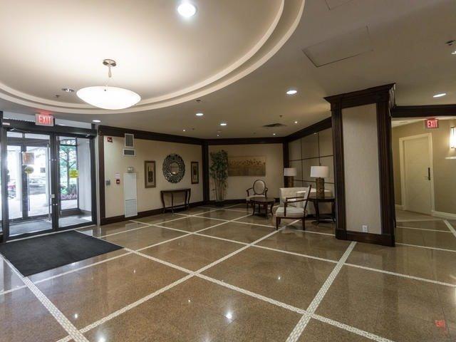 Condo Apartment at 18 Harding Blvd, Unit 208, Richmond Hill, Ontario. Image 5
