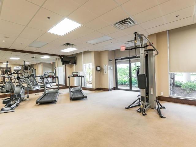 Condo Apartment at 18 Harding Blvd, Unit 208, Richmond Hill, Ontario. Image 6
