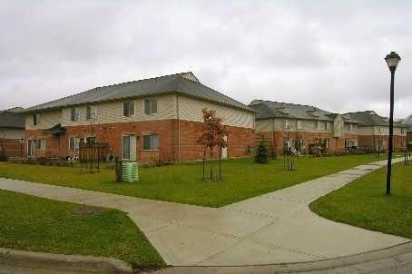 Condo Townhouse at 1 Testa Rd, Unit 40, Uxbridge, Ontario. Image 1