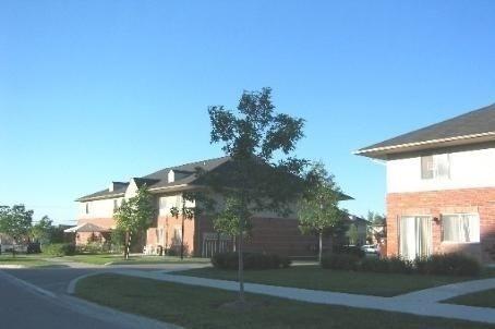 Condo Townhouse at 1 Testa Rd, Unit 40, Uxbridge, Ontario. Image 2