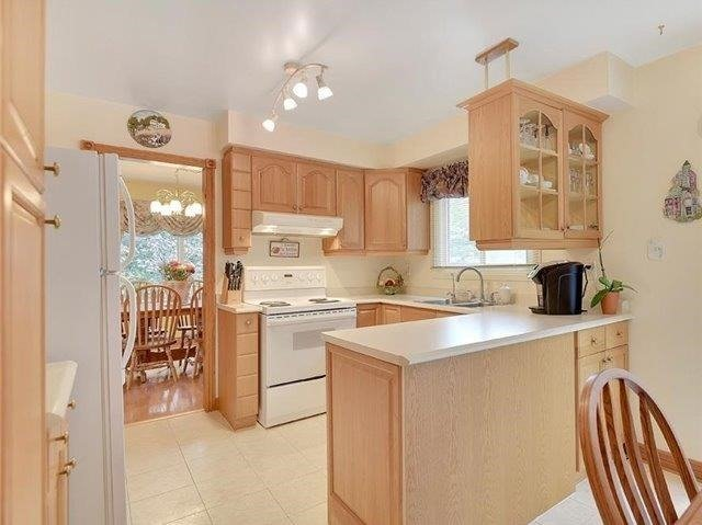 Detached at 366 London Rd, Newmarket, Ontario. Image 13