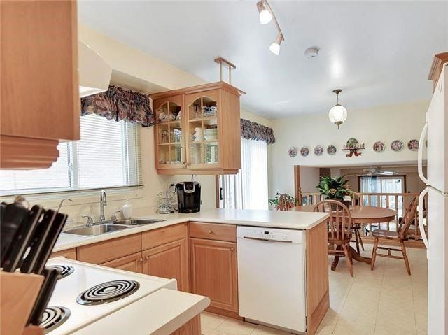 Detached at 366 London Rd, Newmarket, Ontario. Image 14