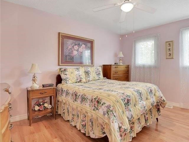 Detached at 366 London Rd, Newmarket, Ontario. Image 8