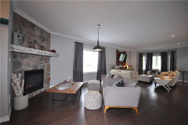 Detached at 1278 Killarney Beach Rd, Innisfil, Ontario. Image 15