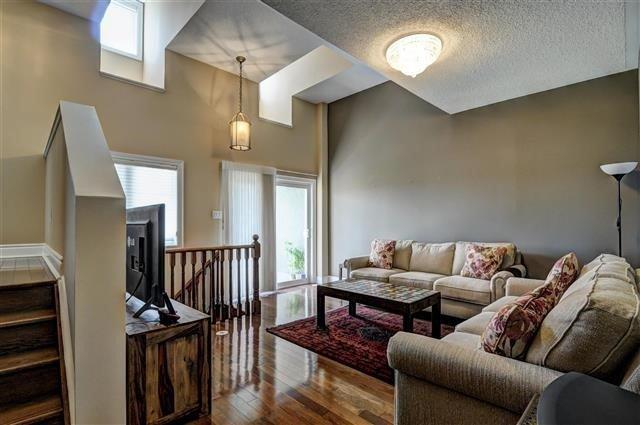Condo Townhouse at 106 Legends Way, Unit Th, Markham, Ontario. Image 3