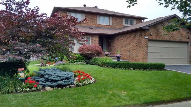 Detached at 150 Carrington Dr, Richmond Hill, Ontario. Image 1