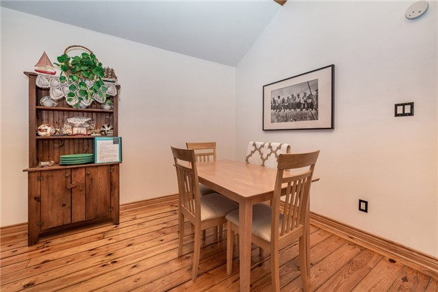 Detached at 1002 Arnold St, Innisfil, Ontario. Image 14