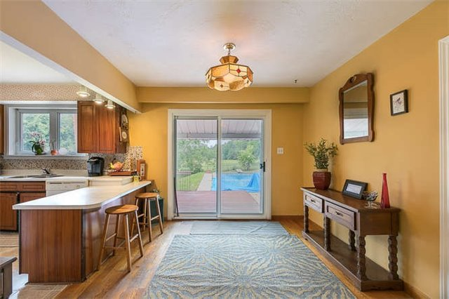 Detached at 16448 Mccowan Rd, Whitchurch-Stouffville, Ontario. Image 2
