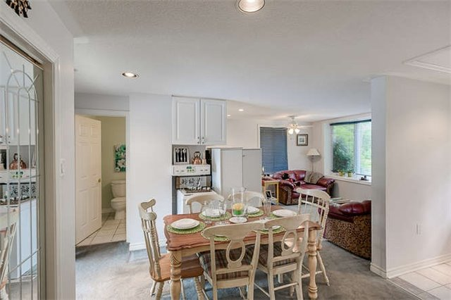 Detached at 16448 Mccowan Rd, Whitchurch-Stouffville, Ontario. Image 3