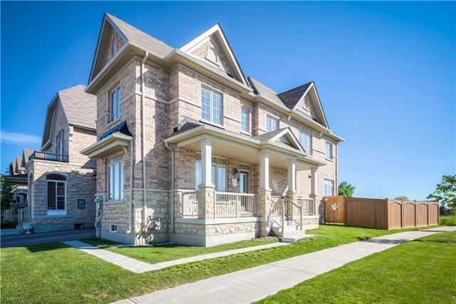 Link at 84 Living Cres, Markham, Ontario. Image 12