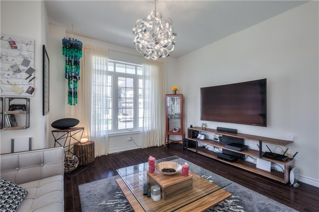 Link at 84 Living Cres, Markham, Ontario. Image 15