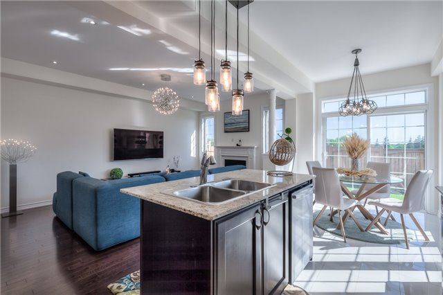 Link at 84 Living Cres, Markham, Ontario. Image 17