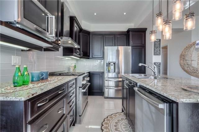 Link at 84 Living Cres, Markham, Ontario. Image 18