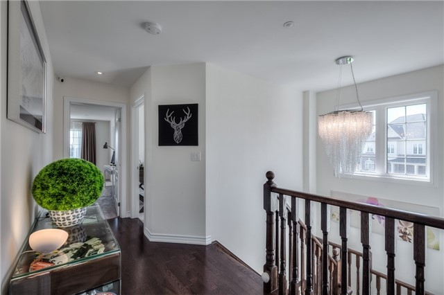 Link at 84 Living Cres, Markham, Ontario. Image 2