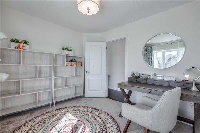 Link at 84 Living Cres, Markham, Ontario. Image 6
