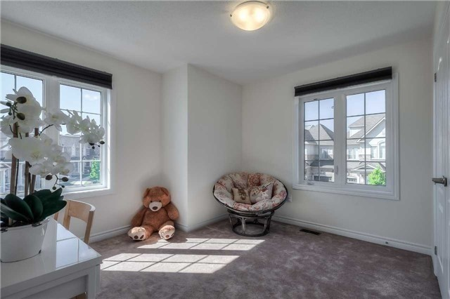 Link at 84 Living Cres, Markham, Ontario. Image 10