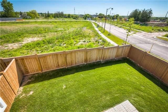 Link at 84 Living Cres, Markham, Ontario. Image 13