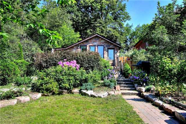 Detached at 110 Cedarvale Blvd, Whitchurch-Stouffville, Ontario. Image 1