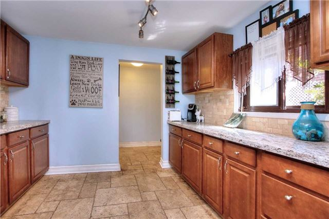 Detached at 110 Cedarvale Blvd, Whitchurch-Stouffville, Ontario. Image 2