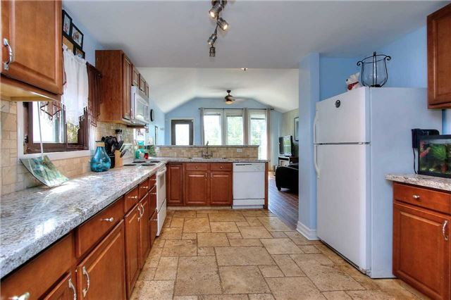 Detached at 110 Cedarvale Blvd, Whitchurch-Stouffville, Ontario. Image 4